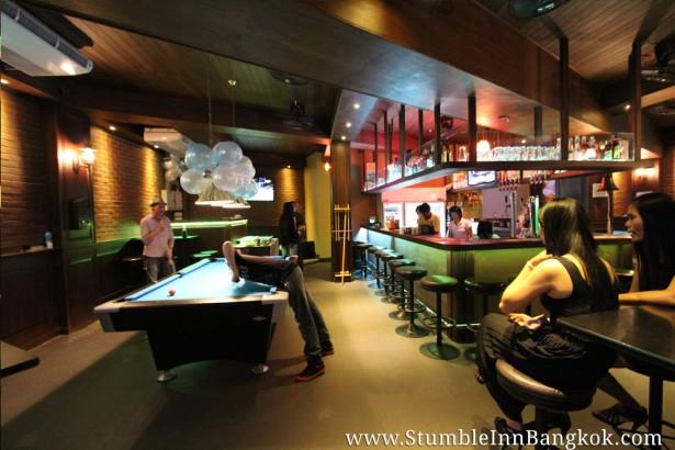 nana plaza bar